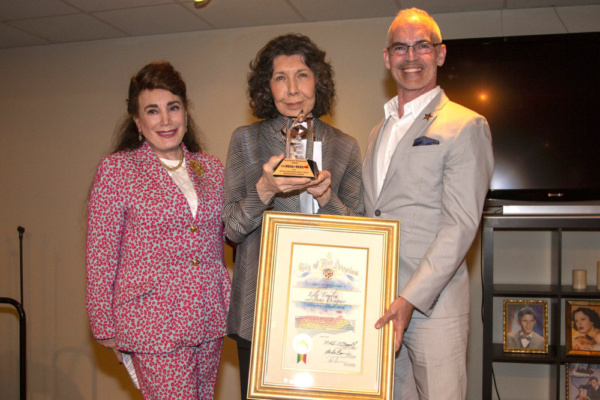Donelle Dadigan, Lily Tomlin and Mitch O'Farrell Photo