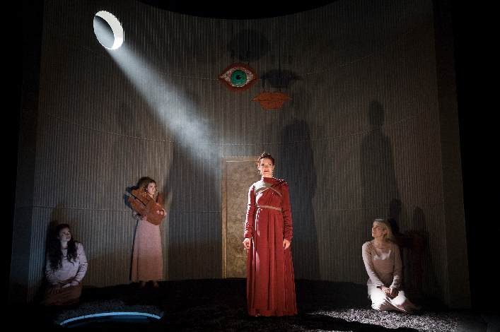 BWW Review: Grace McLean's Intriguing Chamber Musical IN THE GREEN