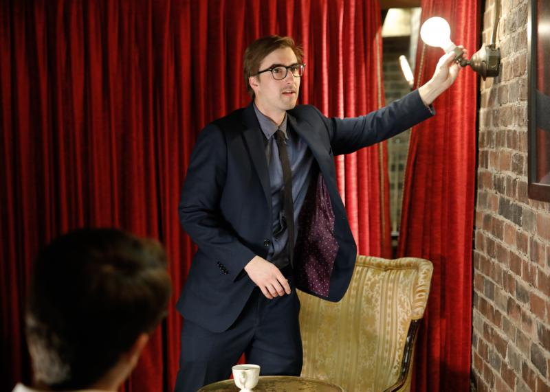 BWW Review: Gary Ferrar Presents Amazing Magic and Mentalism in NOTHING HERE IS REAL