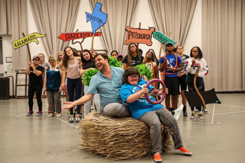 BWW Interview: Dan Knechtges & Sara Brunow Talk Public Works Houston and SEUSSICAL at TUTS