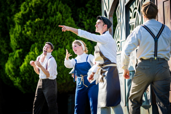 Photo Flash: First Look At Immersion Theatre's Open-Air Tour Of A MIDSUMMER NIGHT'S DREAM