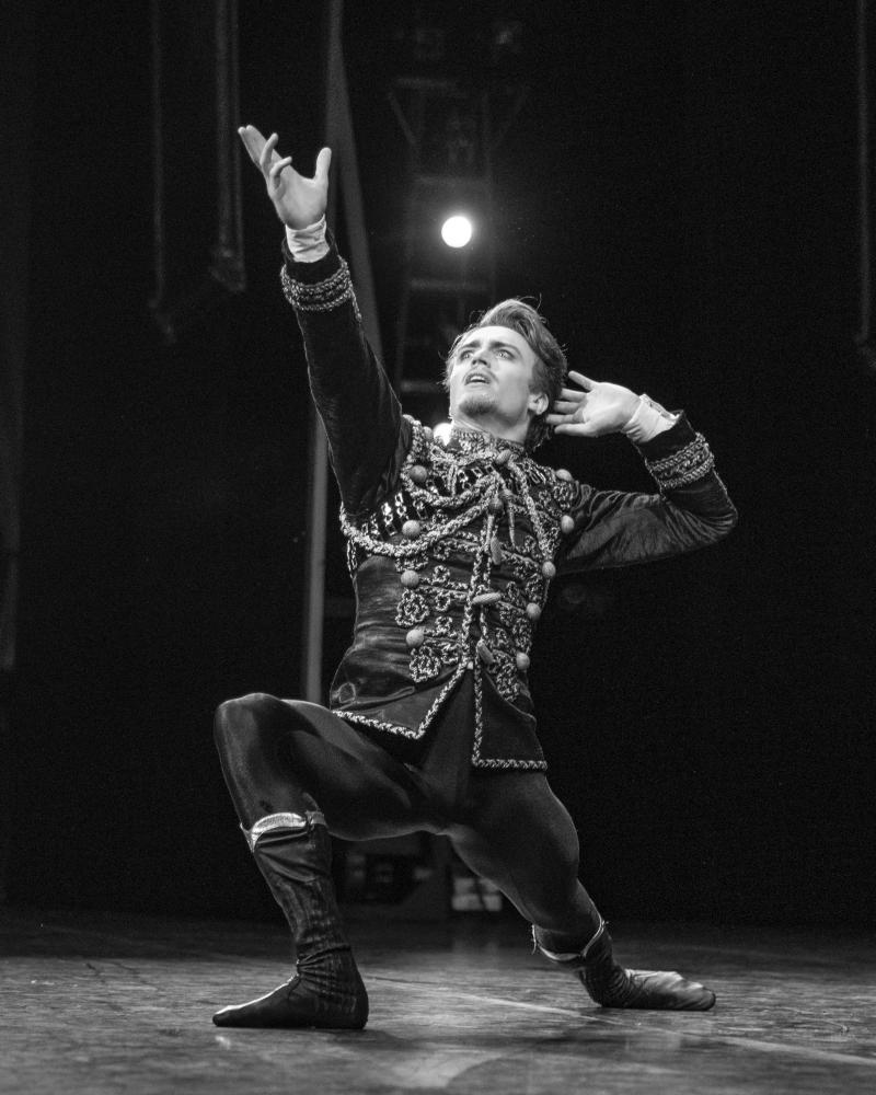 BWW Review: Royal Ballet's MAYERLING is Masterfully Macabre and Magnificently 'Executed' at The Dorothy Chandler Pavilion