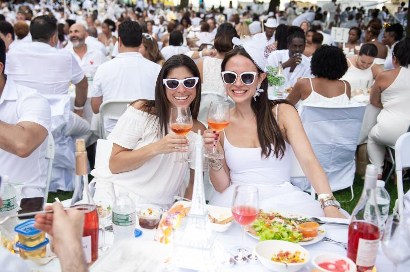 DINER EN BLANC Brings the Ultimate Summer Outdoor Event to NYC and the World