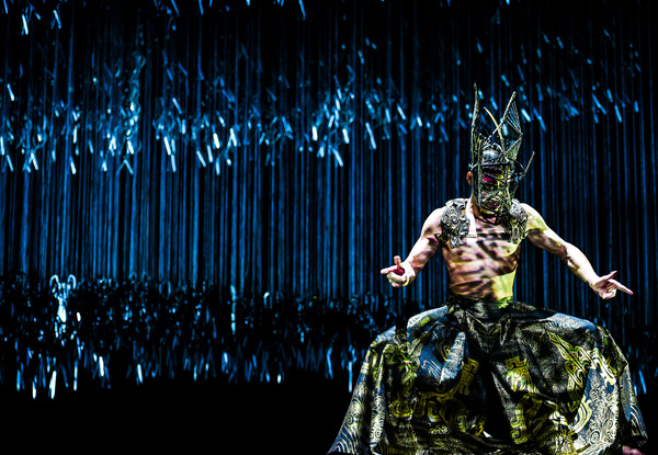 Photo Flash: Yang Liping Contemporary Dance Presents The World Premiere of UNDER SIEGE