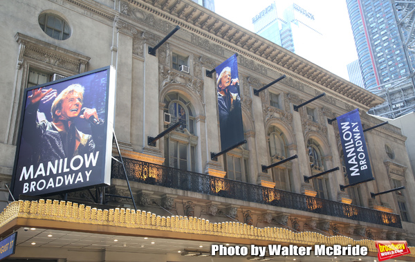 """Theatre Marquee unveiling for """"Manilow Broadway"""" starring Barry Manilow at the Lunt-F Photo"""