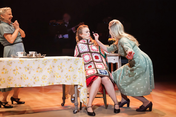 Photo Flash: Anne Murray Musical Debuts To Sold-Out Crowd In Star's Home Province