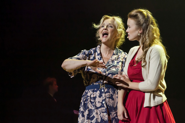 Photos: Anne Murray Musical Debuts To Sold-Out Crowd In Star's Home Province