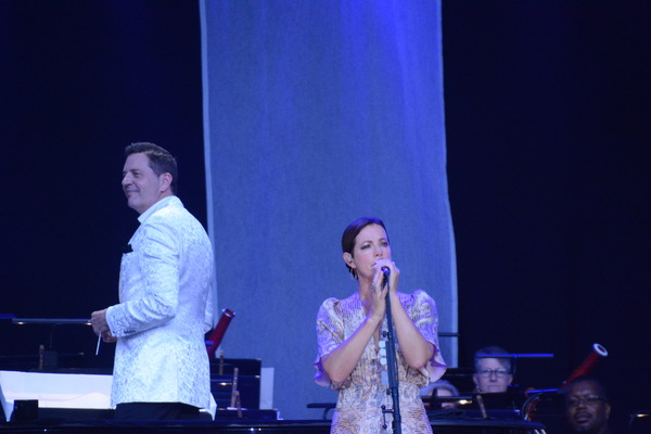 Photo Coverage: Sarah McLachlan Appears With Steven Reineke and the New York Pops at Forest Hills