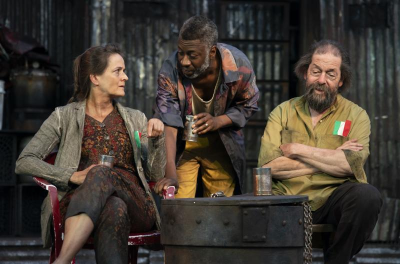 BWW Review: Jonathan Cake and Kate Burton Shine in Shakespeare's Political Drama CORIOLANUS