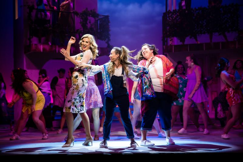 BWW REVIEW: Packemin Productions Delivers Another Night Of Pro/Am Musical Theatre Family Fun With MAMMA MIA!