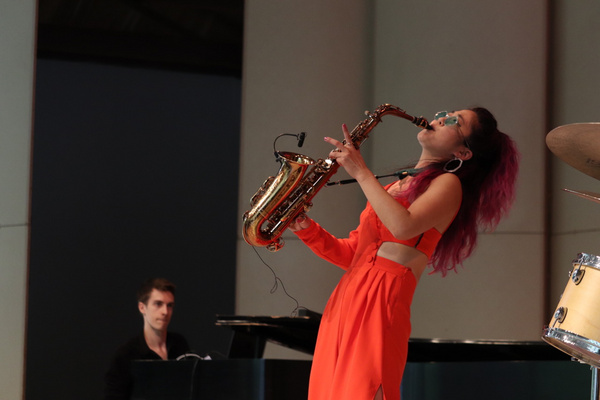 Photo Flash: Jazz Musician Grace Kelly Visits Usdan Summer Camp For The Arts