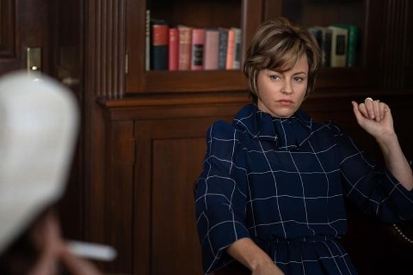 Elizabeth Banks as Jill Ruckelshaus