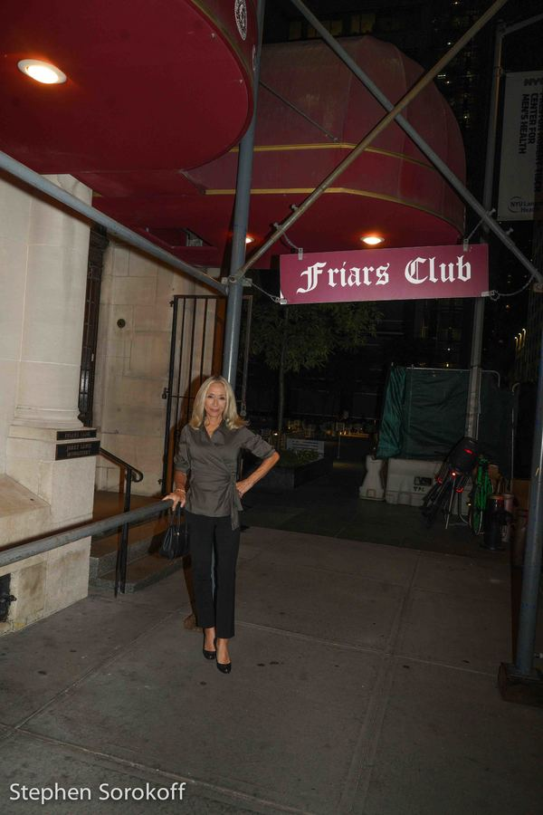 BWW Review: Jamie deRoy and friends Play The Friars Club