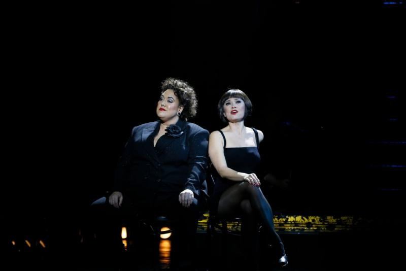 BWW REVIEW: Broadway's Longest Running Musical Revival, CHICAGO Returns To Sydney With An Interesting Twist On The Villianous Duo Of Dames.