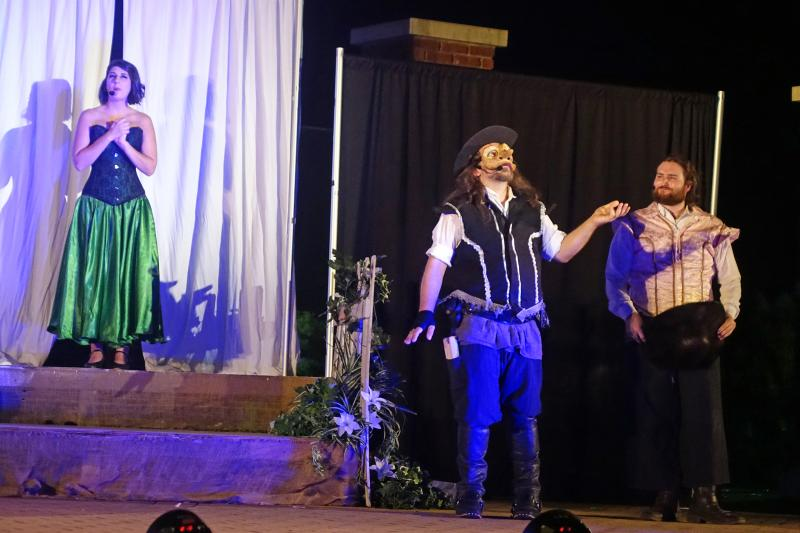 BWW Review: ShakesCar's CYRANO Has Ample Eloquence but Faulty Amplification