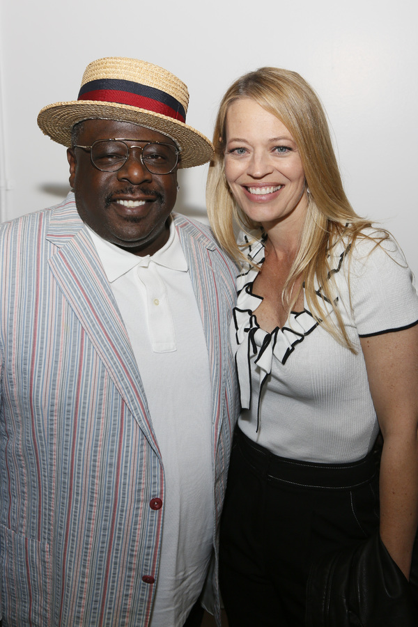 Cedric the Entertainer and Jeri Ryan  Photo