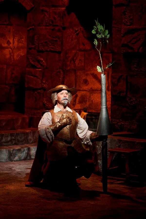 MAN OF LA MANCHA: James Patterson  Photo