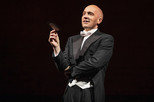 BWW Review: Derren Brown Doesn't Want Me To Tell You Anything About DERREN BROWN: SECRET