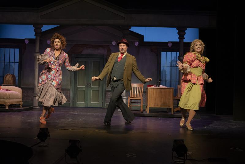 BWW Review: ANNIE at Omaha Community Playhouse: You're Going to Like It Here