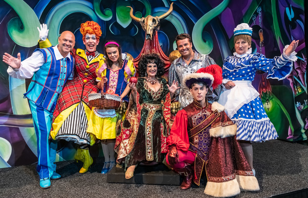 Matt Slack, Andrew Ryan, Faye Brookes, Lesley Joseph, Joe McElderry, Jac Yarrow, Dore Photo