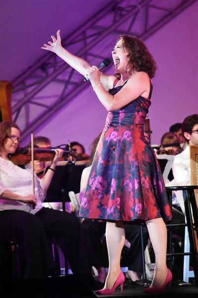 BWW Review: Pasadena Pops Shine Under the Stars