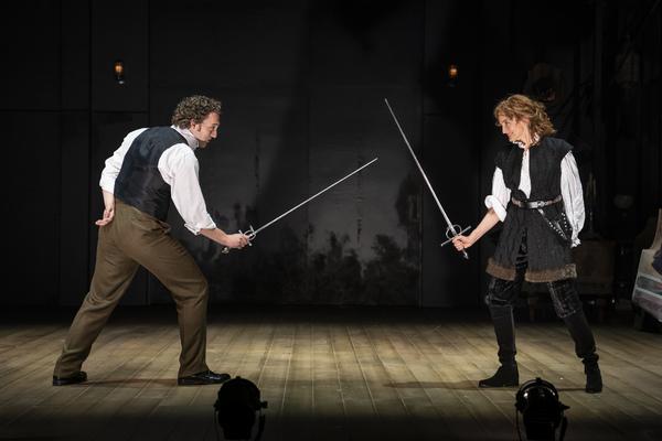 Photo Flash: A First Look At BERNHARDT/HAMLET At Goodman Theatre