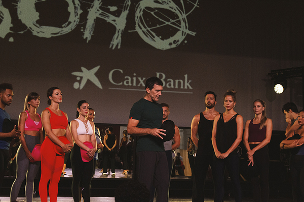 PHOTO FLASH: Antonio Banderas presenta A CHORUS LINE en Malaga