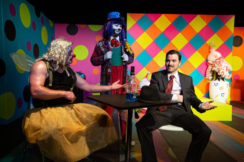 BWW Review: CLOWN BAR Serves Up a Cocktail of Comical Clown-Noir at THEATRE DOWNTOWN.