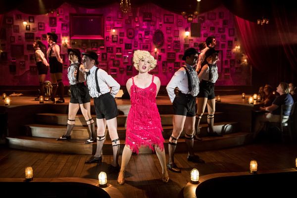 Britta Ollmann and the cast of CHICAGO Photo