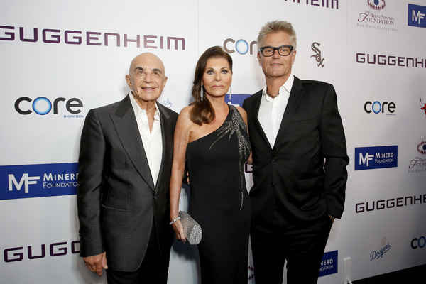 Robert Shapiro, Linell Shapiro and Harry Hamlin Photo