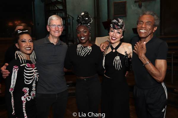 Kay Trinidad, Apple''s CEO Tim Cook, Jewelle Blackman, Yvette Gonzalez-Nacer and Andre De Shields