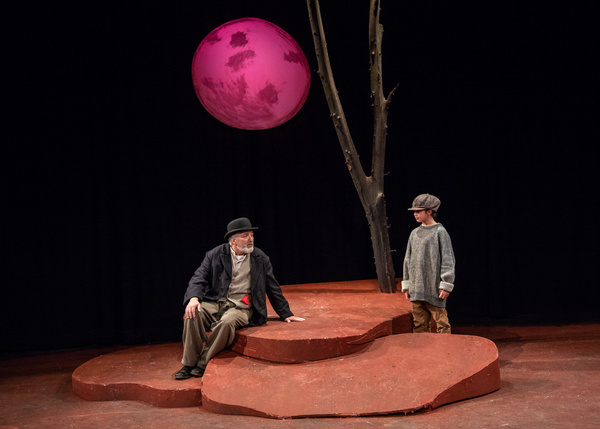 Tom Gleadow and Hayley Pezza in WAITING FOR GODOT at The Wilbury Theatre Group in Pro Photo