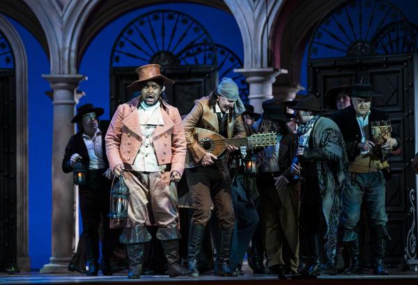 Photo Flash: Lyric Opera Presents THE BARBER OF SEVILLE