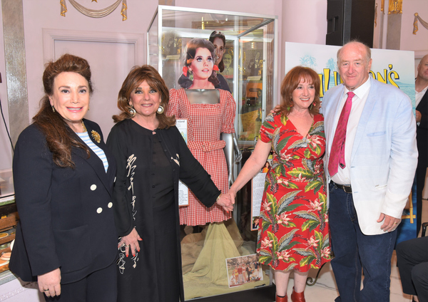Donelle Dadigan, Dawn Wells, Hope Schwartz-Juber (Daughter of the shows creator, Sher Photo