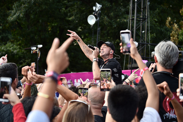 Photo Flash: Queen + Adam Lambert, Carole King, Alicia Keys, Kelly Clarkson, and More at the Global Citizen Festival