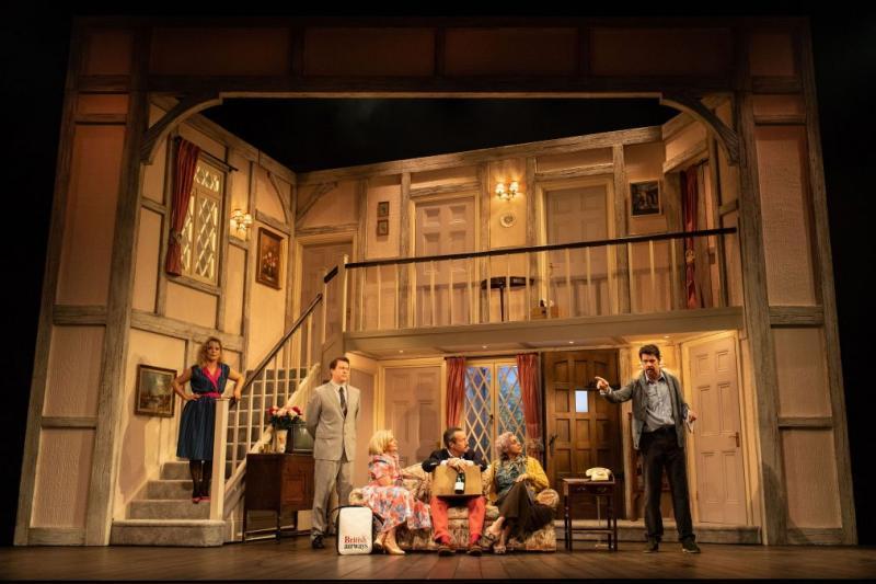 BWW Interview: Lloyd Owen Talks NOISES OFF at the Garrick Theatre