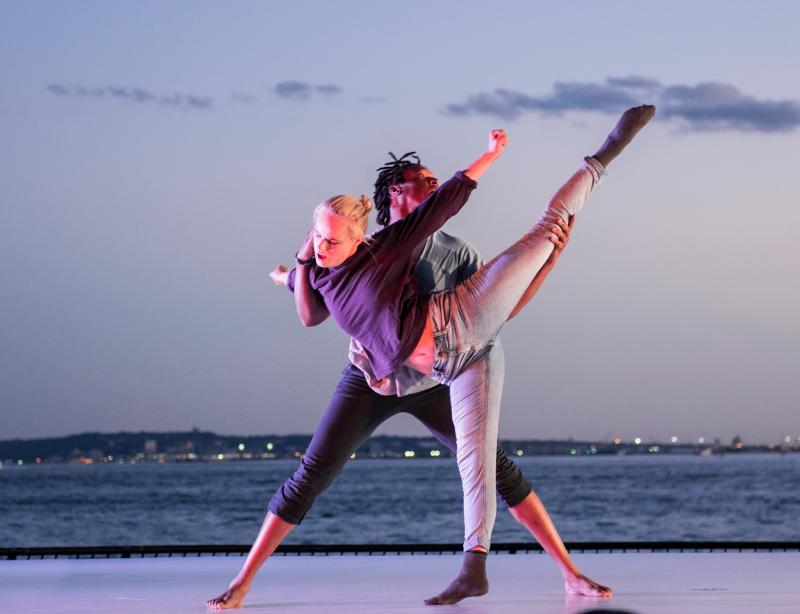 BWW Review: A Washout of Wan Music at Battery Dance Festival