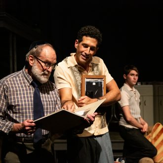BWW Review: WHAT THE JEWS BELIEVE at Berkshire Theatre Group Leaves Audiences With Lots to Think About.