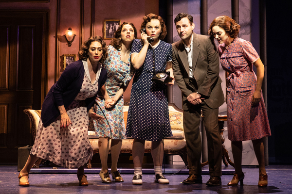 Lesli Margherita, Samantha Joy Pearlman, Ruby Rakos, Max Von Essen, and Tessa Grady Photo