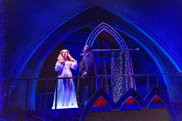 Photo Flash: First Look at DRACULA at ZACH Theatre
