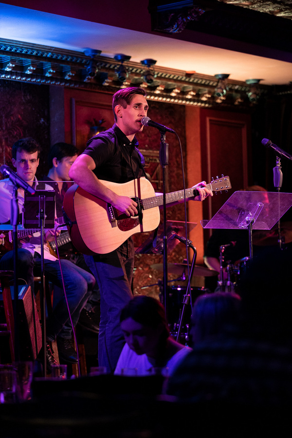 Photo Flash: 54 SINGS HILARY DUFF At Feinstein's/54 Below
