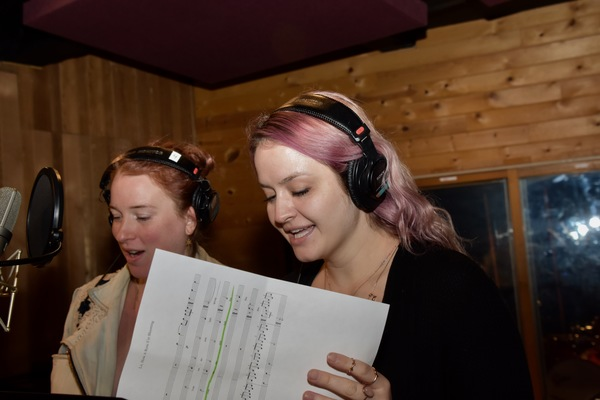 BWW Exclusive: WICKED Cast Gets Ready for the Holidays with Carols for a Cure