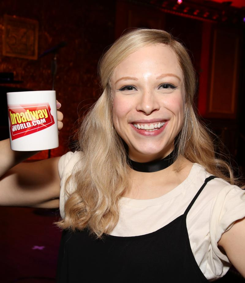 Wake Up With BWW 10/9: Jenn Colella and Caitlin Kinnunen in Site-Specific FUN HOME, and More!