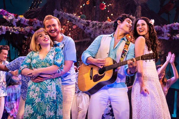 BWW Review: ESCAPE TO MARGARITAVILLE at the National Theatre