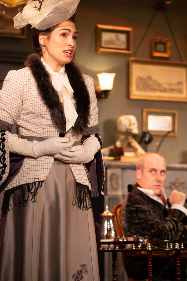 Lydia Hiller (Liza Moriarty) and Kevin McKillip (Holmes)