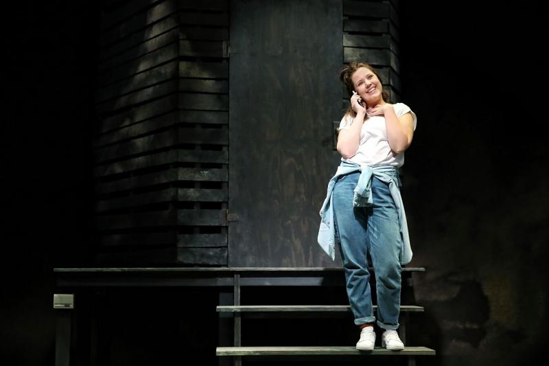 BWW REVIEW: A Reminder To Be Kind, Even To The Person At The End Of A Phone, FULLY COMMITTED Is A Fabulous Comedy Showcasing The Contessa Treffone's Versatility