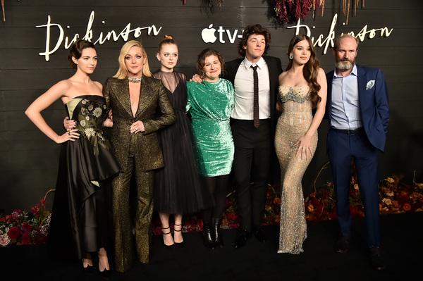 Ella Hunt, Jane Krakowski, Anna Baryshnikov, Alena Smith, Adrian Blake Enscoe, Hailee Photo