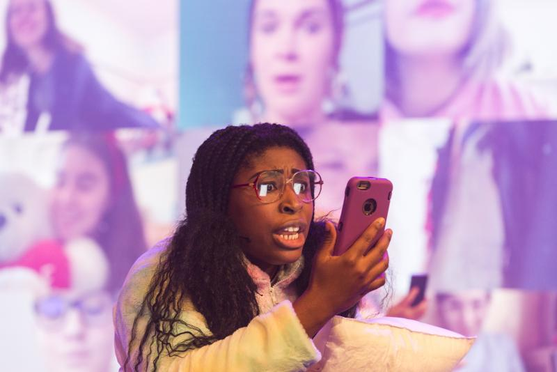 BWW REVIEW: FANGIRLS Is A New High Energy Comedy Thriller Musical That Reminds Us Girls Are Capable Of So Much More Than What Society Wants Them To Think.