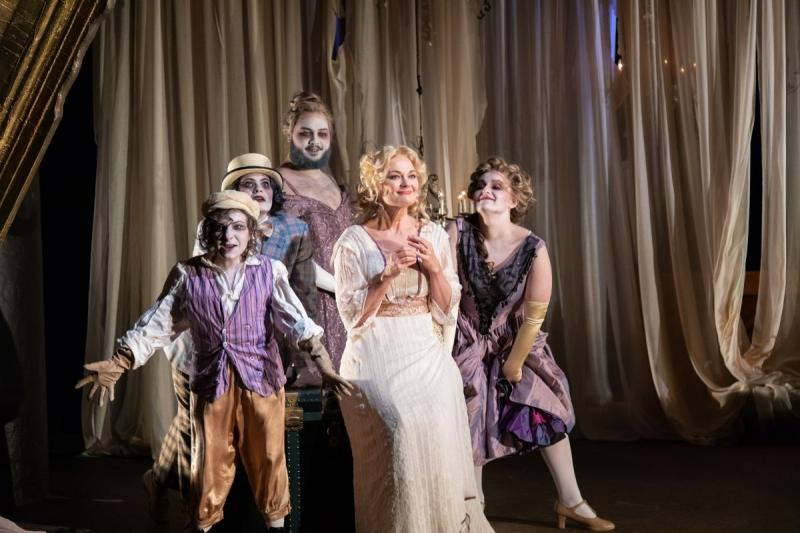 BWW Review: THE TEMPEST at Seattle Shakespeare Is A Tempting Concoction Of Magic And Pure Human Emotions.