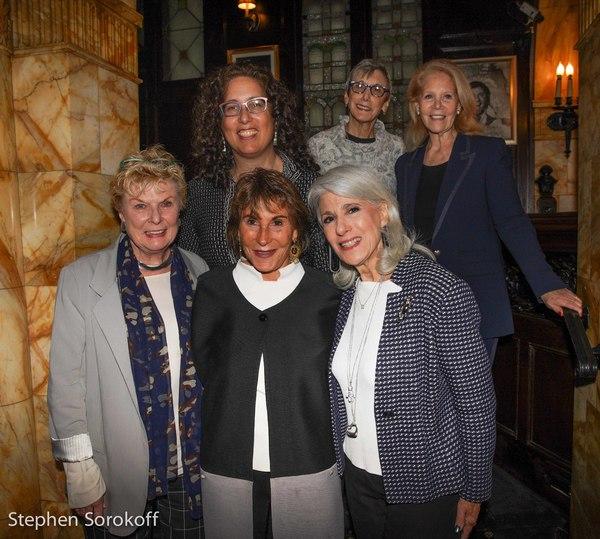 Nelle Nugent,Susan Gallin, Jamie deRoy,Mara Isaacs, Robyn Goodman, Daryl Roth Photo